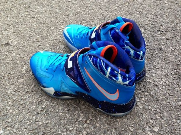 Another Look at LeBron Nike Zoom Soldier VII 8220Galaxy8221 ... 7c6cde887