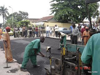 Travaux de réhabilitation des routes à Kinshasa.