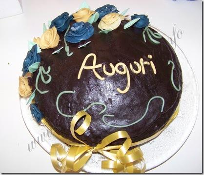 ricetta torta del diavolo torta al cioccolato rose pasta di zucchero (18)