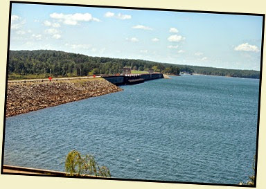 04b - view of Lake Thurmond Dam from the Visitor Center
