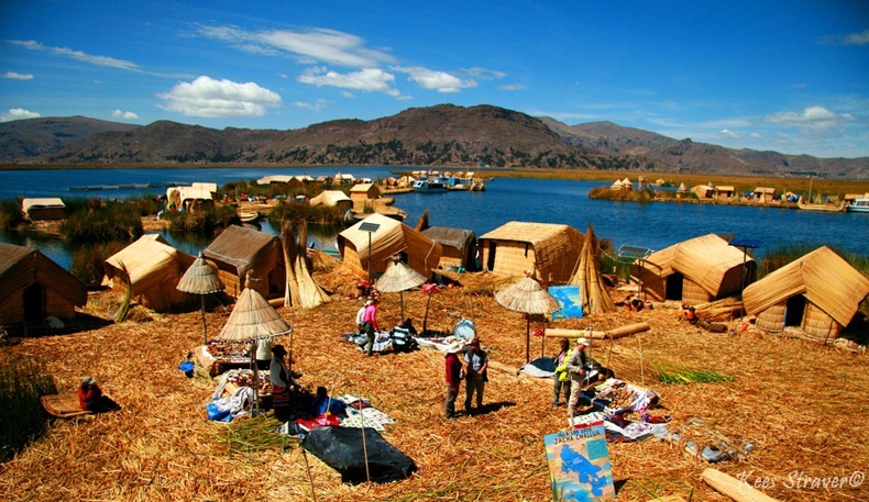 uros-floating-island-11