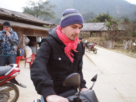 Doi romani si-un tricolor in jurul lumii: Stefan in Sapa, Vietnam