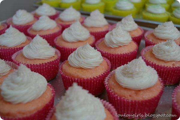 Cream-Filled-Cupcakes-Recipe (1)