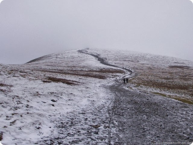 path towards skiddaw