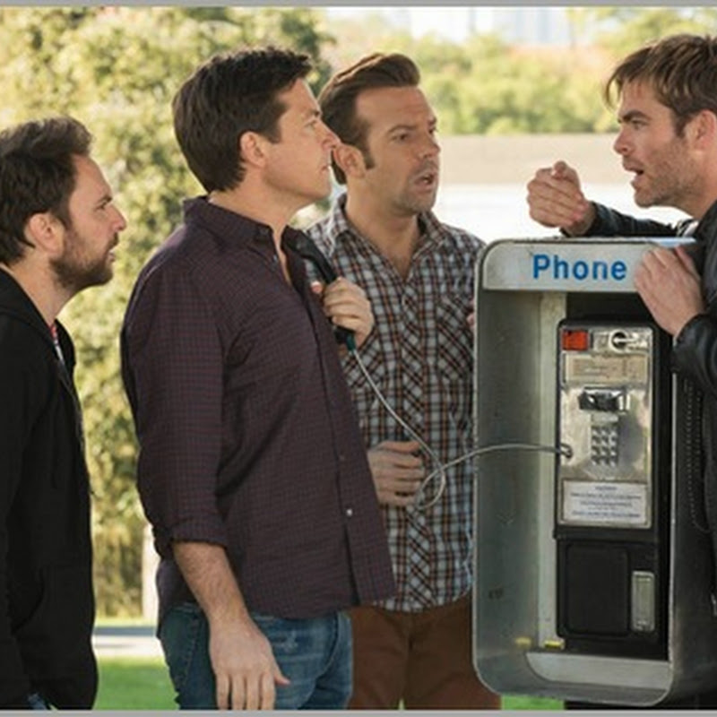 "Chris Pine a Lovable Villain in ""Horrible Bosses 2"""