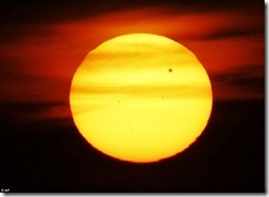 Venus treks across the Sun_photos3