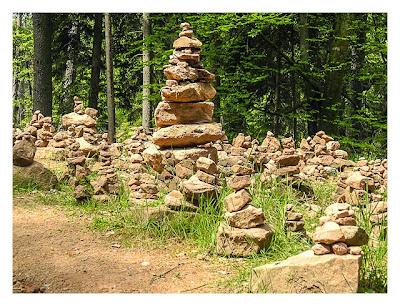 Ramberg und der Dahner Felsenpfad - Steinmännchen