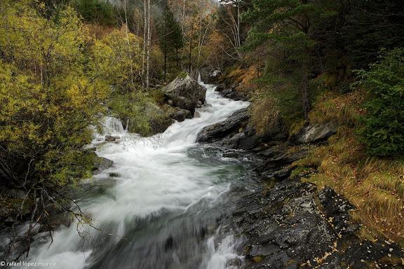 Riu de Sant Nicolau, la vall de Boi.La Vall de Boi, Alta Ribagorca, Lleida