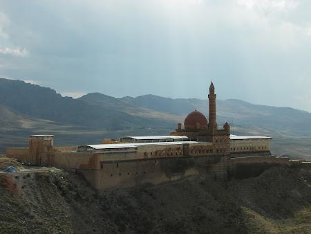Obiective turistice Turcia: Palat Ishak Pasa Dogubeyazit