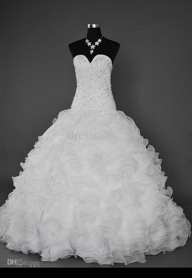 ac0185533dc65 فساتين زواج تصميمات عالمية 2014 ، اجمل اطقم فساتين زواج 2014