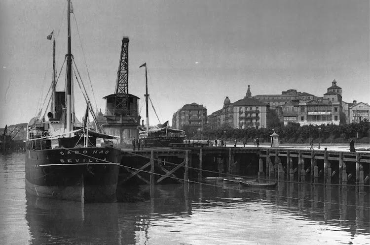 El vapor CABO NAO en Santander. Fecha indeterminada. Foto Flickr..jpg