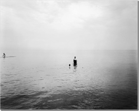 Harry Callahan_eleanor-and-barbara-lake-michigan-1953