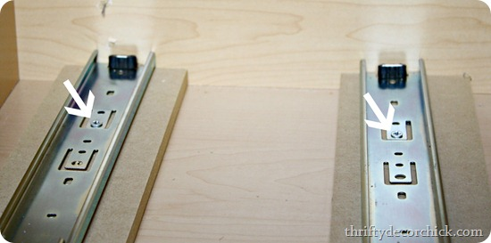 Diy Roll Out Drawer From Thrifty Decor Chick
