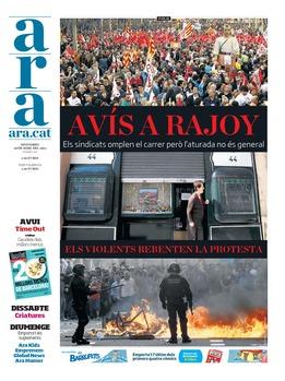 Mèdia / Comparant la portada del diari ARA i de La Vanguardia #29MVagageneral