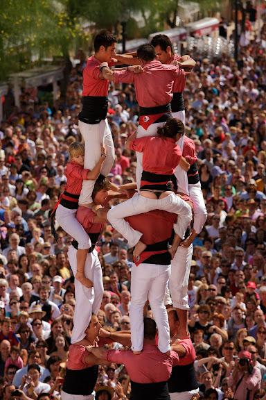 Colla Vella dels Xiquets de Valls, 3 de 9 amb folre. Diada castellera del Primer Diumenge de Festes de Tarragona. Festes de Santa Tecla. Tarragona, Tarragonès, Tarragona