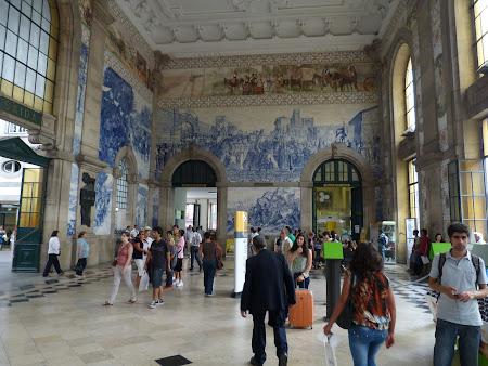 Obiective turistice Porto: azulejos in gara