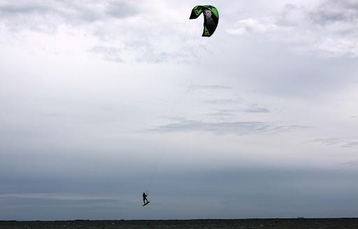 Kitesurf3.JPG