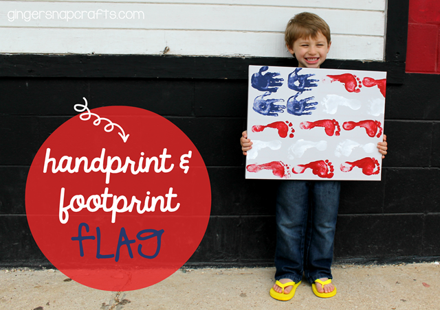 handprint & footprint flag #kidcraft #4thofJuly