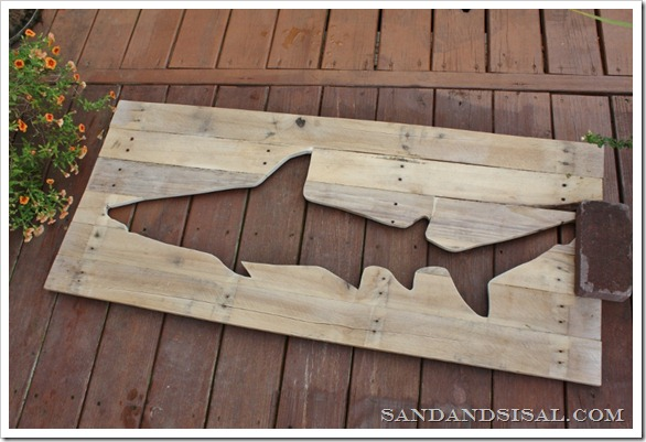 pallet art shark