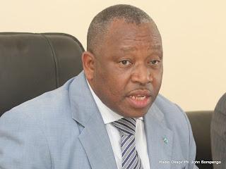 Le ministre de la Santé, Victor Makweng Kaput annonçant le début de la deuxième phase de la campagne de vaccination contre la poliomyélite sauvage ce 27/07/2011 à Kinshasa. Radio Okapi/ Ph. John Bompengo