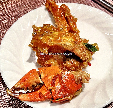 PARKROYAL Beach Road Crab Buffet feast Plaza Brasserie Nonya Curry Crab, X.O. sauce Crab, Butter, Stirred Fried Crab Egg Yolk, Thai Green Curry Mud Crab Sichuan Style, Stir-Fried Flower Crabs Chilli Black pepper