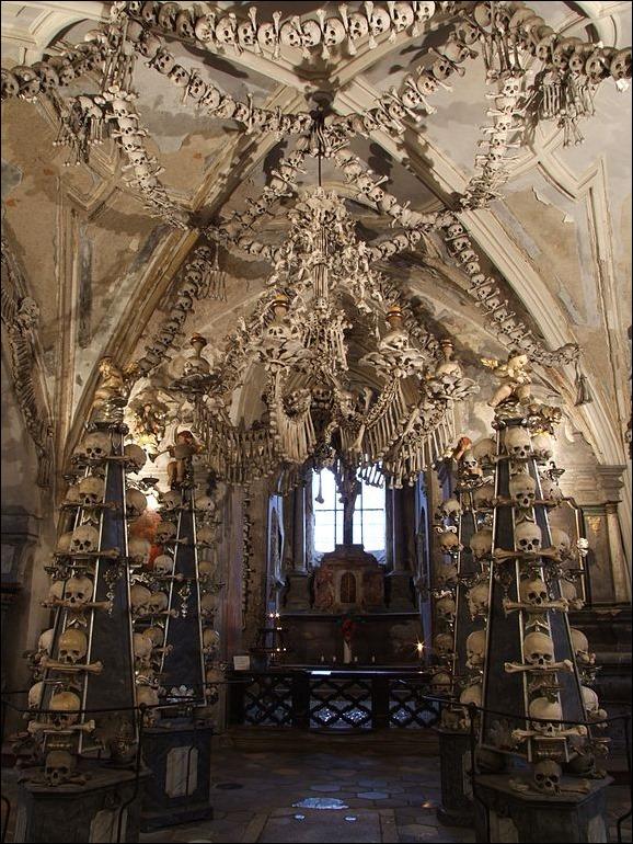 Sedlec-ossuary-01