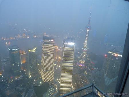 8. Shanghai noaptea.JPG