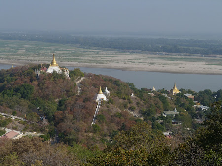 Temple pe dealuri la Sagaing
