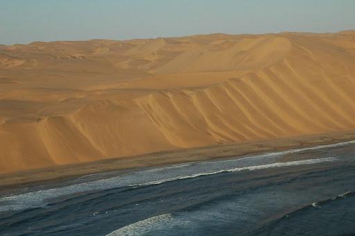 [PRIVADA] Urna Namib-desert-meets-sea-6%25255B2%25255D