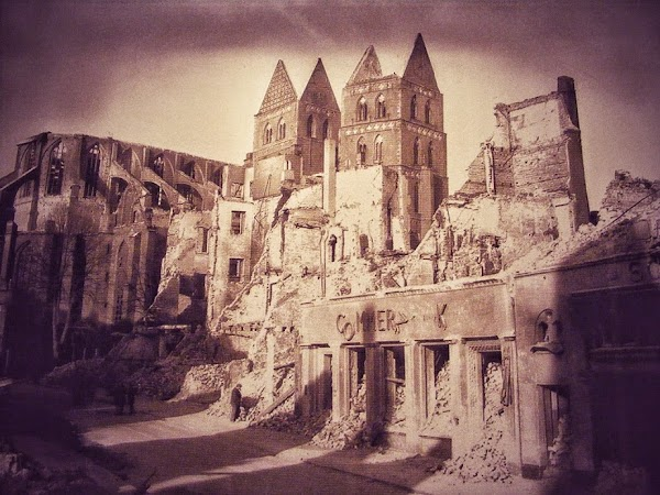 mary.ruins2.JPG