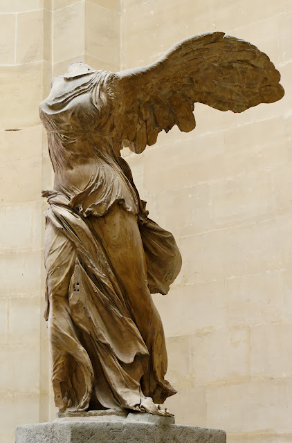 Nike_of_Samothrake_Louvre.jpg