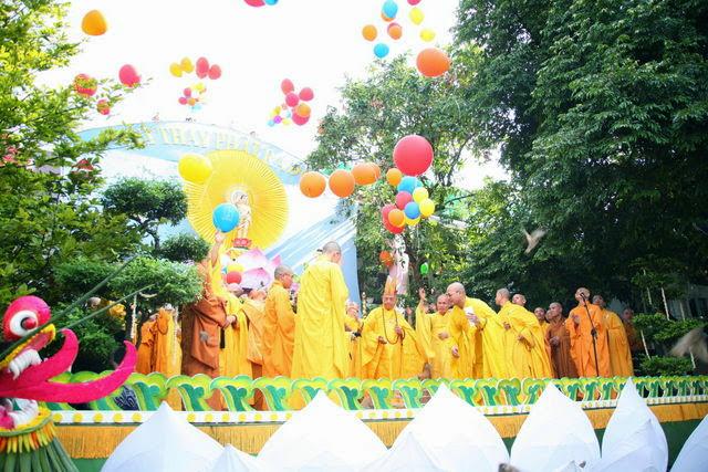 IMG 1870 Đại lễ Phật đản PL 2557 tại Tu viện Quảng Hương Già Lam