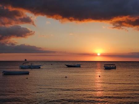 Apus de soare la Oceanul Indian