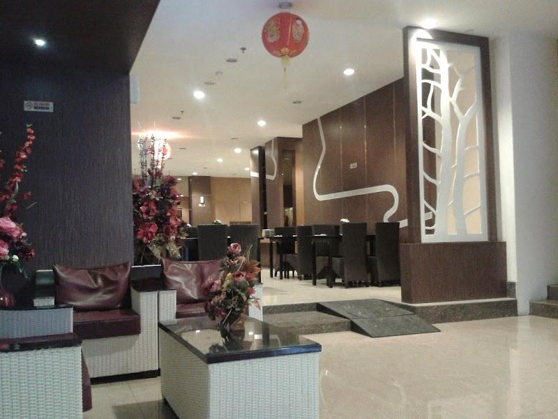 Review Hotel di Makassar