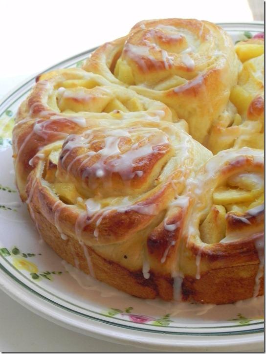 apple-bread-ring-4