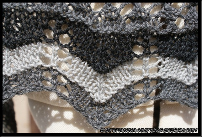 Souricette shawlette - lace border
