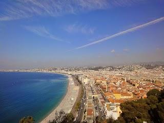 Panorama de la Plage, Mer Méditerranée et Nice