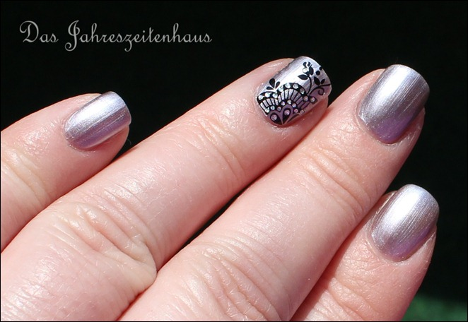 Sally Hansen Pedal to the Metal mit Nail Art 3