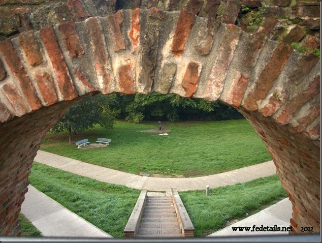 Porta San Pietro, dettaglio dell'arco, Ferrara, Emilia Romagna, Italia - Porta San Pietro, bow detail, Ferrara, Emilia Romagna, Italy - Property and Copyrights of www.fedetails.net