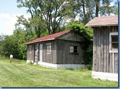 4198 Indiana - Benton, IN - Lincoln Highway (US-33) - remnants of Benton's Log Cabin Camp