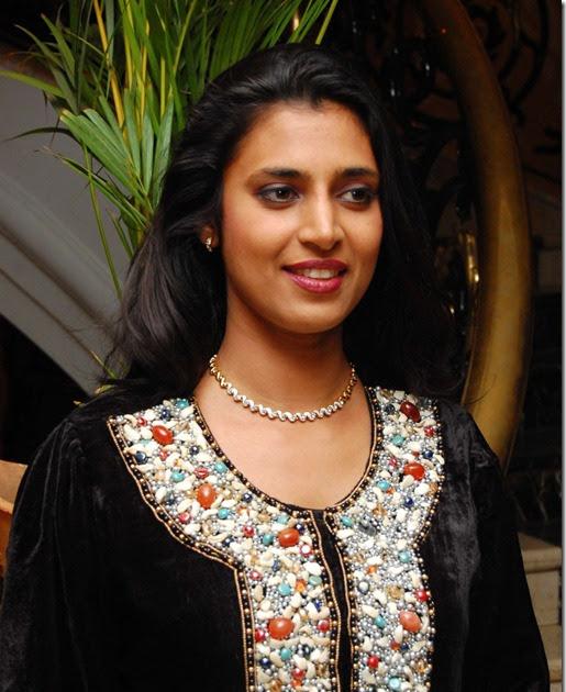 Indian-Actress-Stills: ACTRESS KASTHURI LATEST HOT PHOTOS
