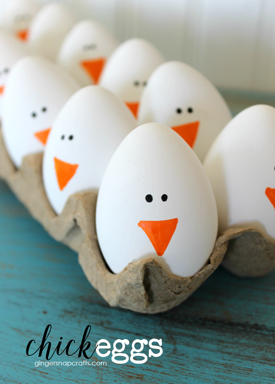 Cute Chick Eggs at GingerSnapCrafts.com #Easter #EasterEggs #spring