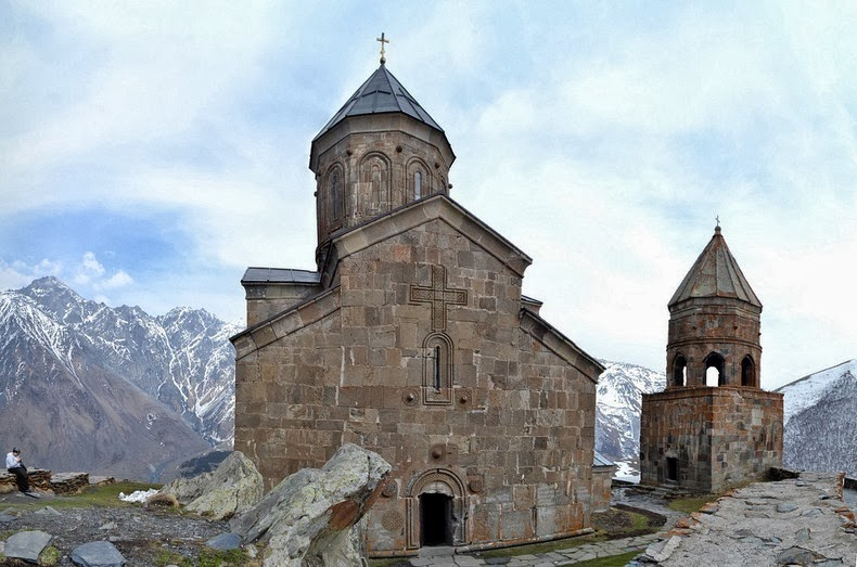 gergeti-trinity-church-4
