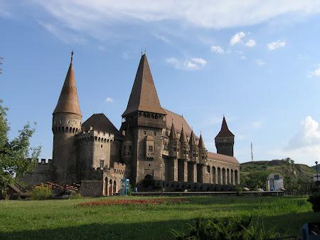 Obiective turistice Romania: Castelul Huniazilor Hunedoara