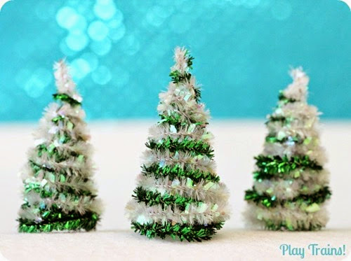 Pipe-Cleaner-Christmas-Trees-for-Train-Sets-and-Small-Worlds-3