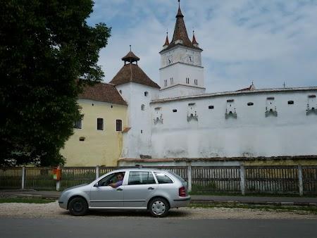 Fortificatii sasesti in Transilvania:  Biserica intarita Harman