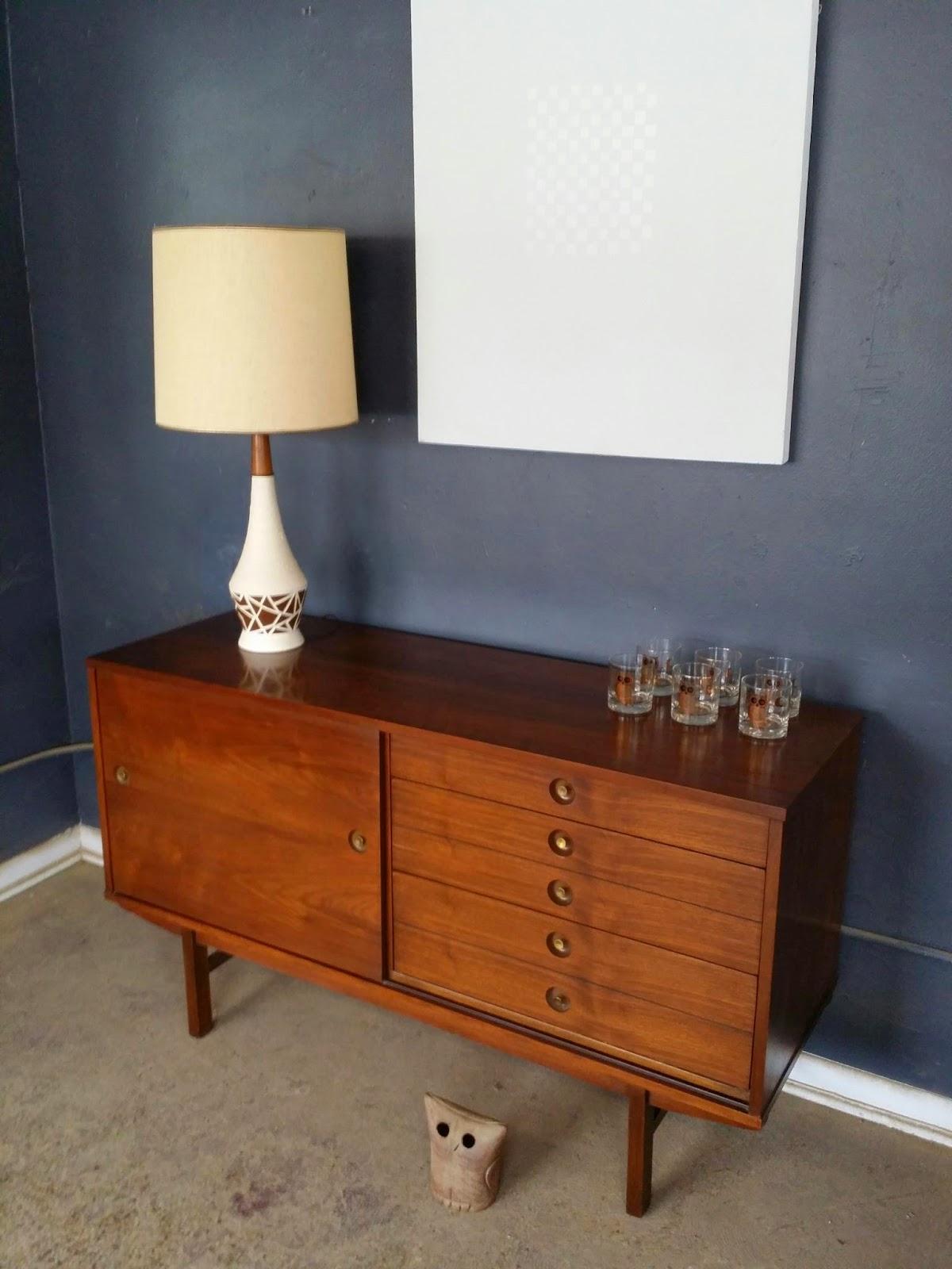 vintage ground mid century buffet sideboard media stand. Black Bedroom Furniture Sets. Home Design Ideas