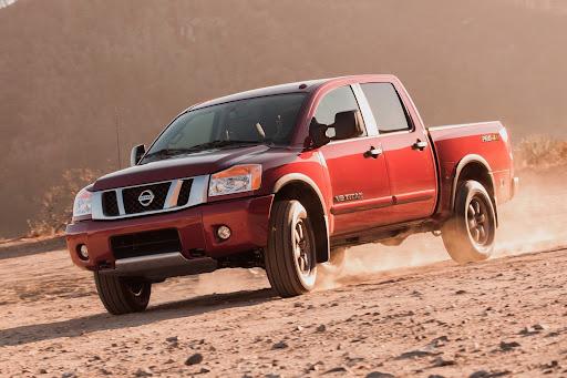 2013-Nissan-Titan-Truck-01.jpg