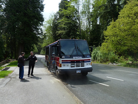 Imagini Canada: autocar de vizitat orasul