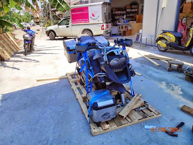 Shippink the bike BKK to CPT 006.JPG